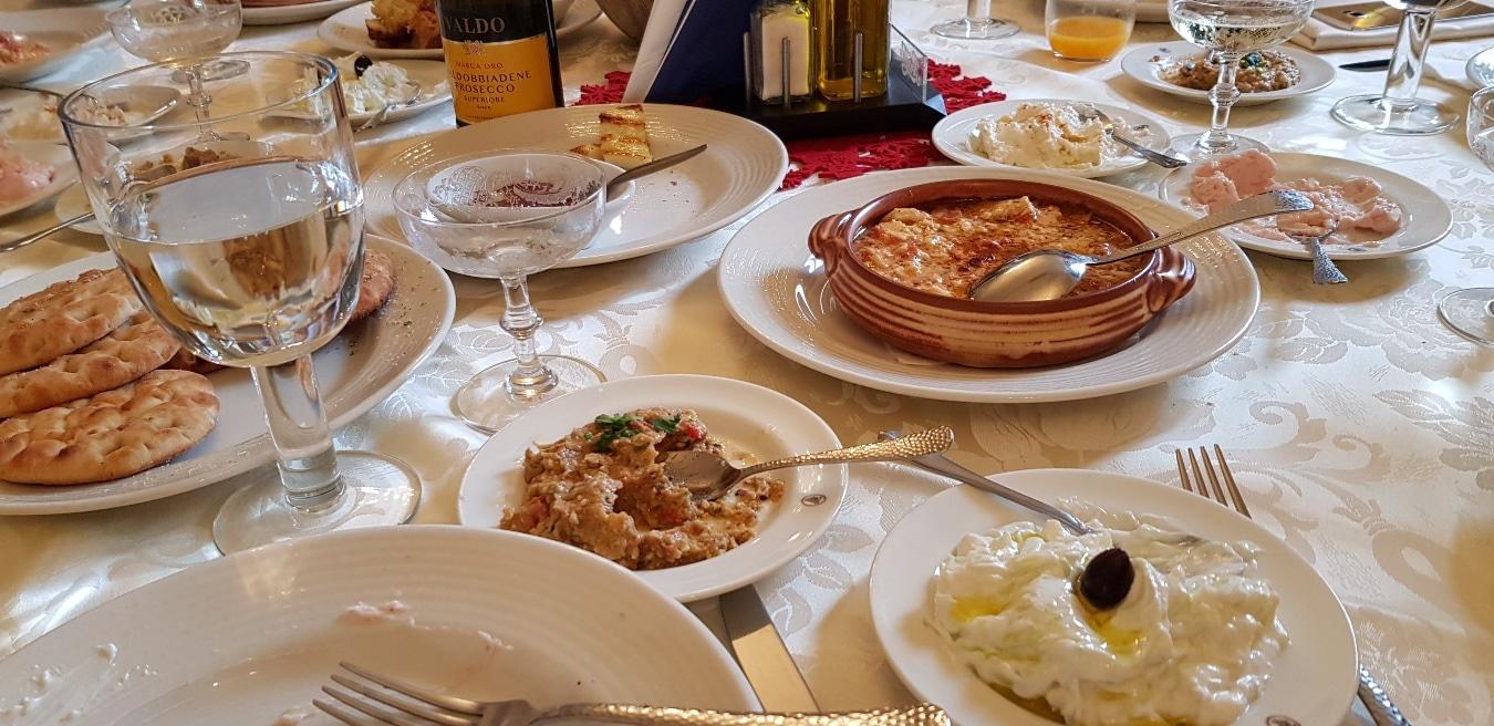 Take away de la Amvrosia, restaurantul doamnei Evanthia Zisi