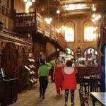 Caru cu Bere, restaurant turistic