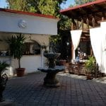 Chez Toni, restaurant libanez traditional in complexul Pescariu Sports and Spa