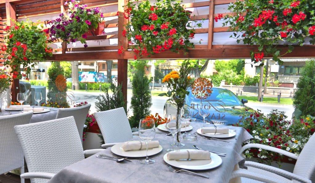 Four Seasons, restaurant libanez elegant in Piata Dorobantilor din Bucuresti