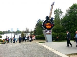 Hard Rock Cafe - parcul Herastrau Bucuresti