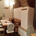 Lacrimi si Sfinti - restaurantul lui Mircea Dinescu in Centrul Vechi