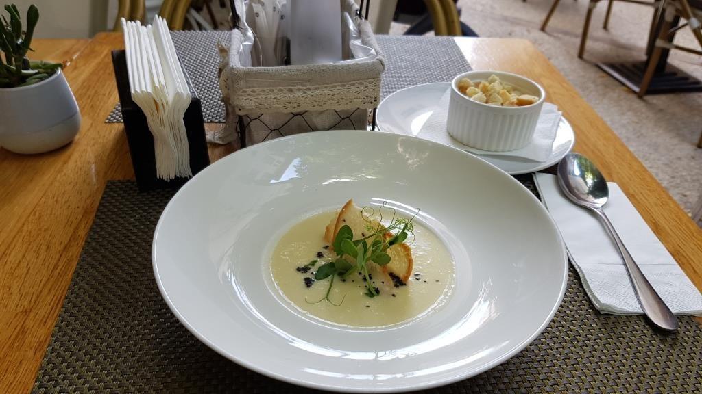 Lugo, restaurant cu bucatarie internationala in zona Magheru
