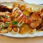 Mesogios, restaurant de peste si fructe de mare in Primaverii, langa lacul Bordei