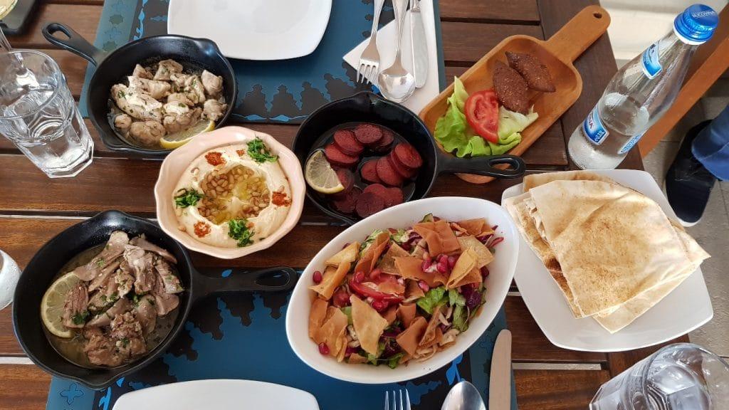 Piccolo Mondo, restaurantul libanez din strada Clucerului, in Bucuresti