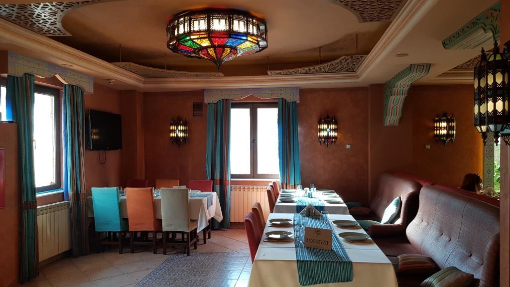 Restaurantul libanez Piccolo Mondo