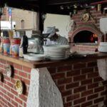Cuptorul de pizza din luxoasa casa din Primaverii