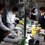 Shuichiro Sumiyoshi in bucatarie