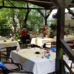 Torna Fratre restaurant traditional romanesc si balcanic in Bucuresti 22