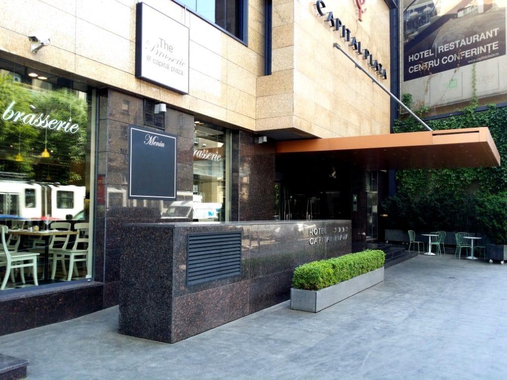 Restaurant 1880, restaurantul hotelului Capital Plaza