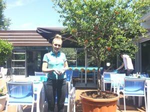Ramona, chelnerita de la restaurantul Octopus din Parcul Herastrau