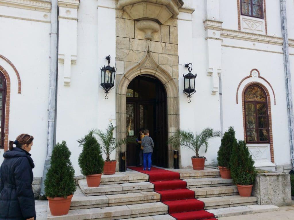 Palatul Stirbey de la Buftea, restaurant pe Domeniul Stirbey