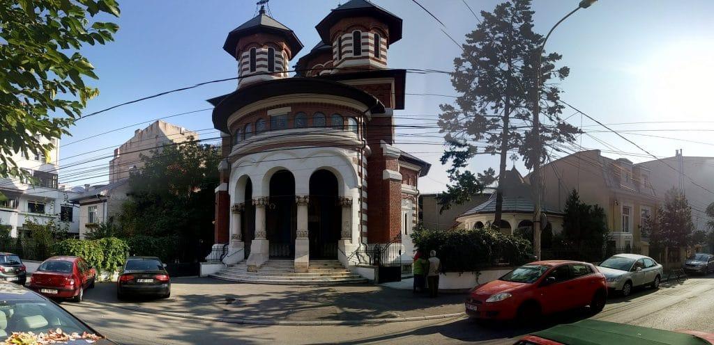 Biserica Visarion, intre Animaletto si Matrioska Bistro