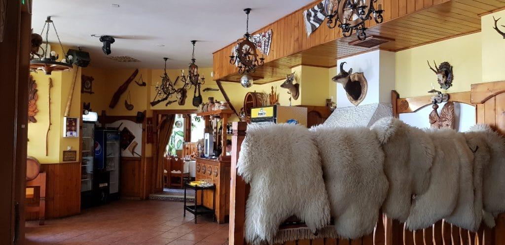 Casa Gorjana, restaurant traditional romanesc in Centrul Vechi, la Brezoianu