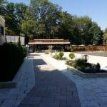 Flavours in The Garden, bistrou si terasa cu piscina la Clubul Diplomatic