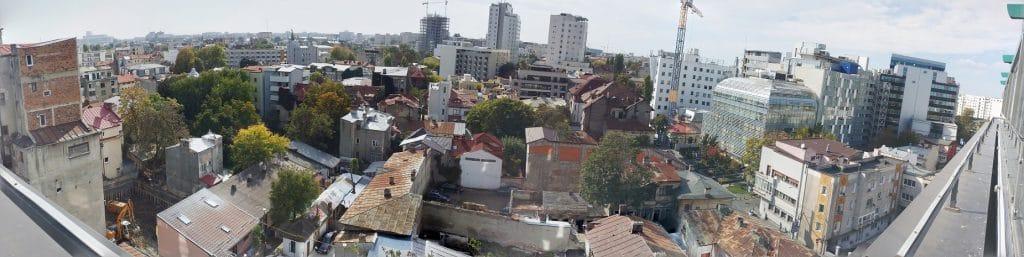 Bucurestiul din Buzesti - Victoriei vazut panoramic din restaurantul Upstairs Rooftop