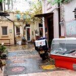 Curtea restaurantului italienesc Belli Siciliani din strada Matasari in Bucuresti