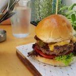 Burger Van Home, bistrou de coaste, salate si hamburgeri la Piata Rosetti
