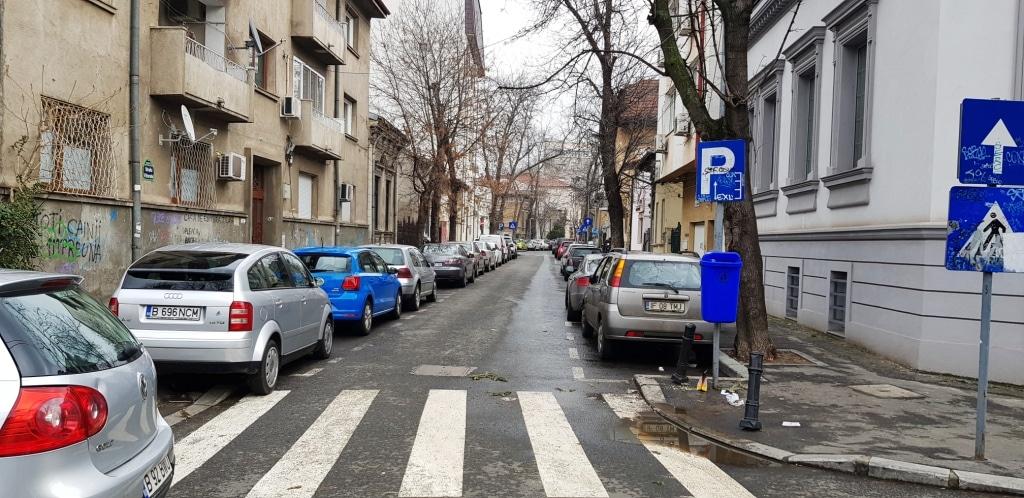 Strada Alexandru Donici Strada Viitorului Cu Restaurantul Unico