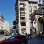 Calea Victoriei cu restaurantele Le Bab si Caru cu Bere
