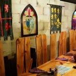 Excalibur, restaurant medieval cu carne fripta in Piata Revolutiei din Bucuresti