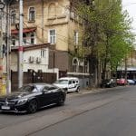 In jurul strazii Buzesti, cu numeroase restaurante, cafenele si alte localuri