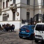 Piata Lahovary, cu restaurantele COS, The Embassy, Avalon, Benihana, Trattoria Romana si altele