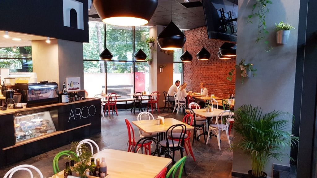 ARCO Giro di Gusto, bistrou italian la Triumh Business Center
