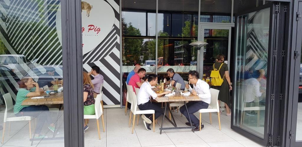 Flying Pig Pipera, restaurant cu carne de porc iberic
