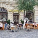 Piata Universitatii din Bucuresti, Centrul Vechi cu multelel lui restaurante si cafenele