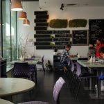 Cafe de Fleurs, bistrou in Globalworth Plaza