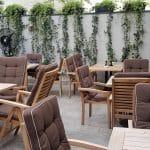 Nido Secret Garden, terasa restaurantului din Aleea Alexandru