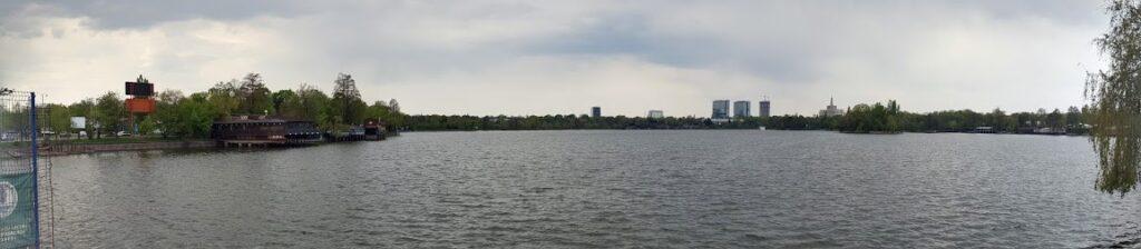 Parcul si Lacul Herastrau la ecluze