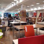 The Library (Mobexpert) - un restaurant child - friendly