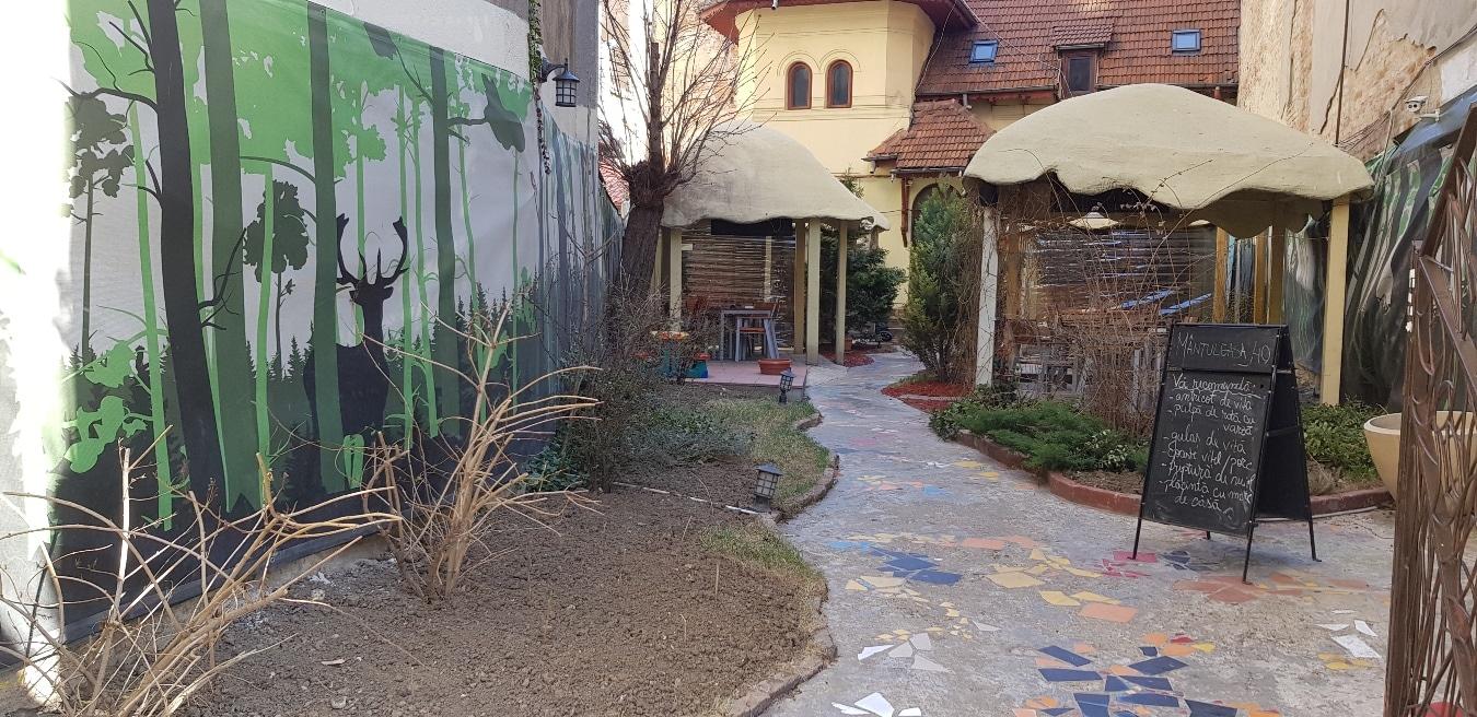 Mantuleasa 40, restaurant boem cu terasa pe strada Mantuleasa