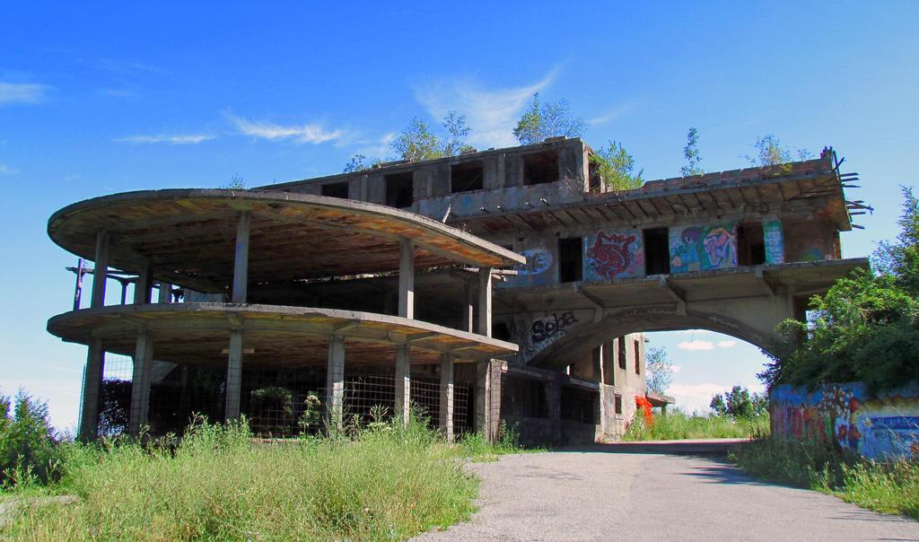 Restaurante inchise in Bucuresti