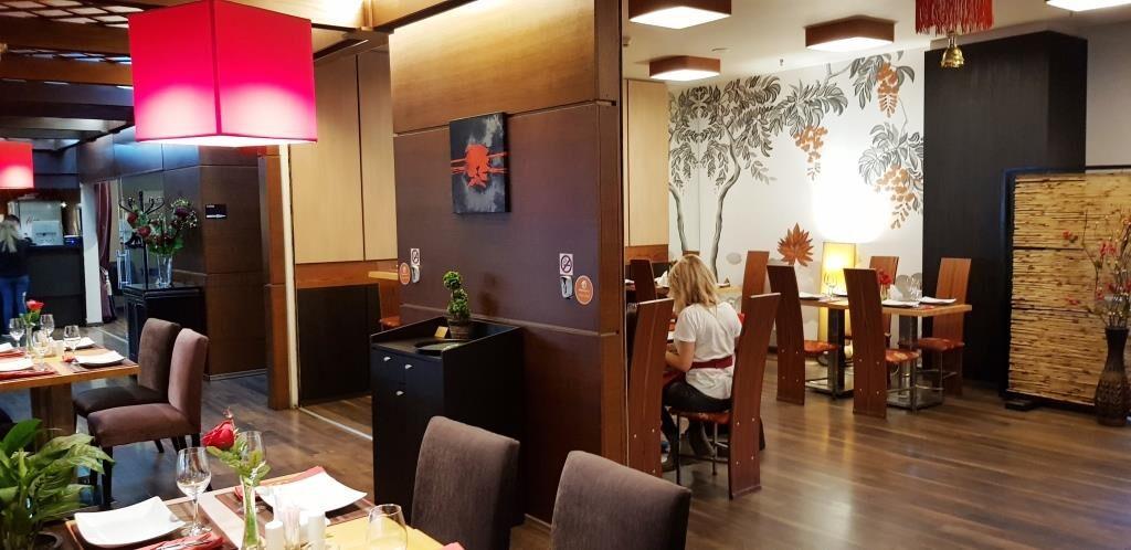 Mandarin Asian Restaurant in complexul Jolie Ville Voluntari