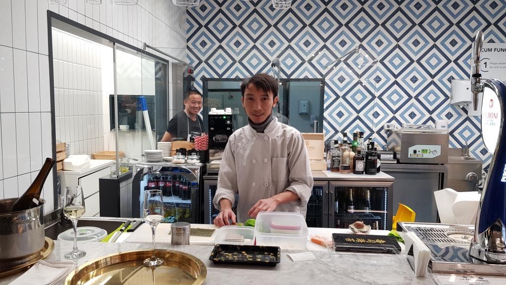 La Pescaderia, restaurant si fish market in Piata Pipera 03