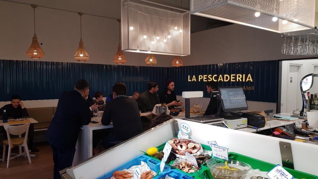 La Pescaderia, restaurant si fish market in Piata Pipera 33