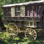 Caleasca nomada din Parcul Conacului Hagianoff de pe Domeniul Manasia