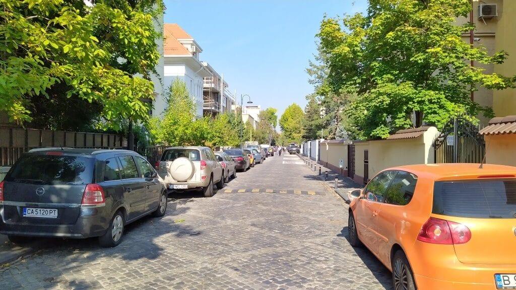 Eleganta strada Herastrau