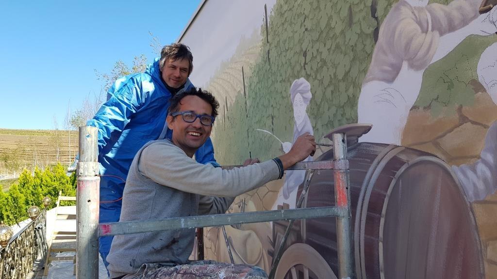 Pictori italieni din Venetia decorand peretele Verandei dintre vii