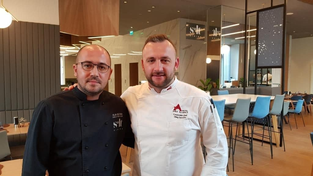 Chefs la restaurantul hotelului Courtyard Floreasca by Marriott