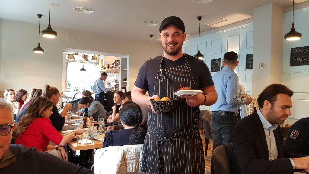 Cina pregatita de Zoran Savic la Fish House