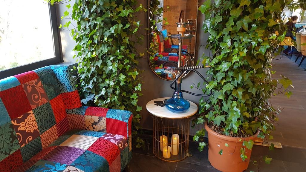 Restaurant libanez pentru fumat ilegal
