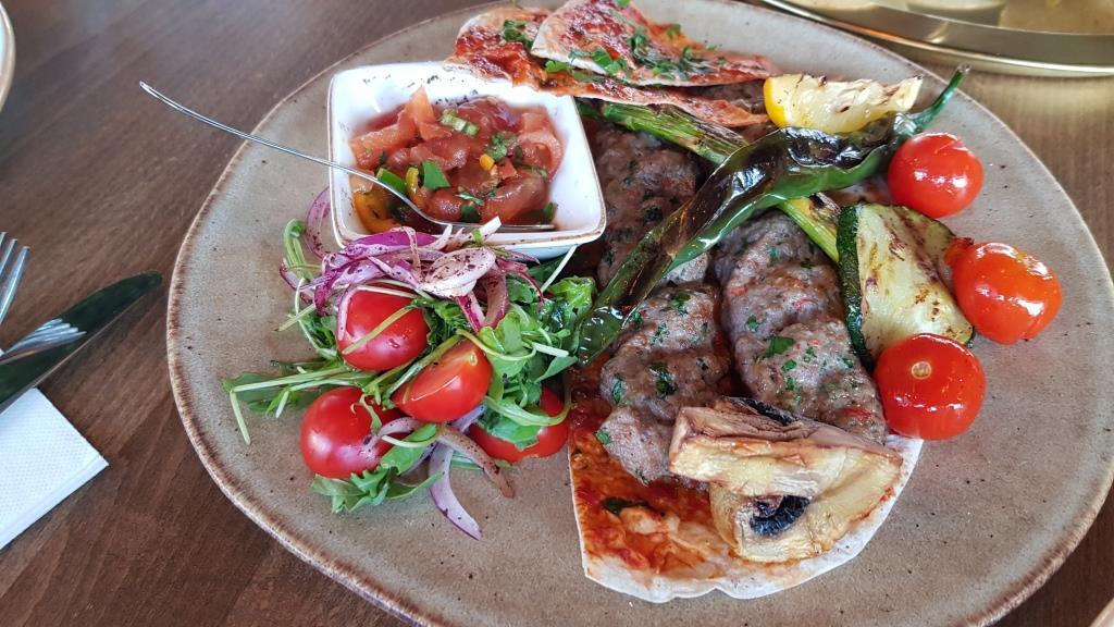 Souk, restaurant libanez in Parcul Automatica