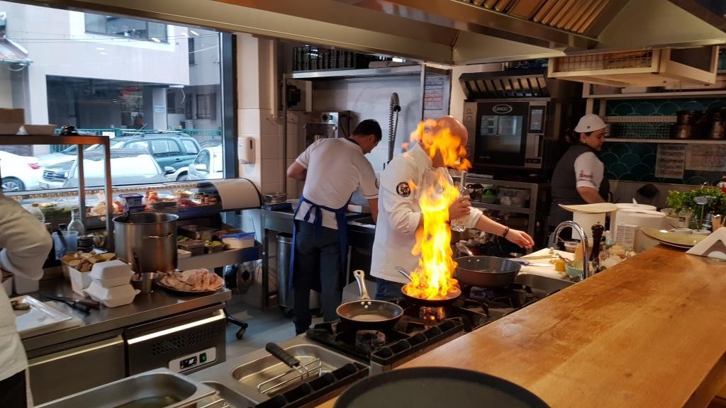 Cina cu Chef Catalin Jernoiu la Bistromar
